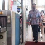 Anies Ancam Tutup Pusat Perbelanjaan Jika Tak Patuhi Aturan