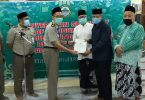 Penyerahan sertifikat tanah wakaf masjid agung semarang